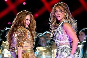 Дженнифер Лопес и Шакира вместе выступили на Super Bowl 2020 (и зрители забыли о футболе)