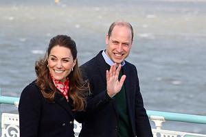 Принц Уильям и Кейт Миддлтон полакомились мороженым на прогулке в Уэльсе