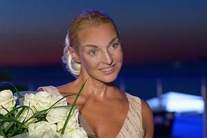 Анастасия Волочкова перенесла свадьбу (все ради красивой даты)