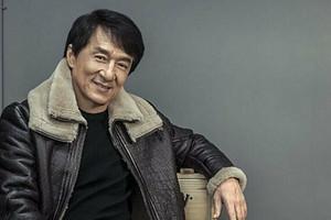 Джеки Чан пообещал миллион юаней тому, кто разработает вакцину от коронавируса