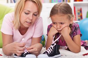 Как научить ребенка завязывать шнурки поэтапно: 6 эффективных рекомендаций и 3 простых способа шнуровки