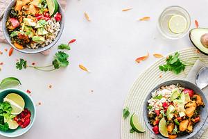 Бобы с морской солью и рисовая лапша: где найти классное постное меню