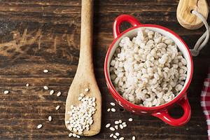 Тоже суперфуд: польза и вред ячневой каши для здоровья (и 5 простых рецептов)