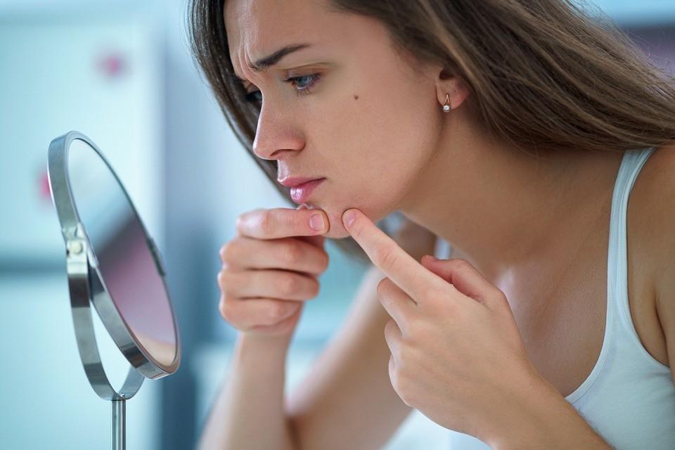 Не навреди: можно ли протирать лицо хлоргексидином и как делать это правильно