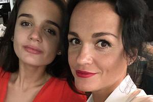 Певица Слава вытащила дочь из карантина во Франции