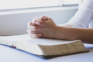 Можно ли хрустеть пальцами (и 8 способов отучиться это делать)