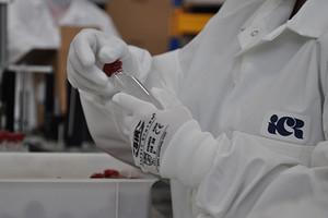 Как модная индустрия помогает миру в борьбе с коронавирусом
