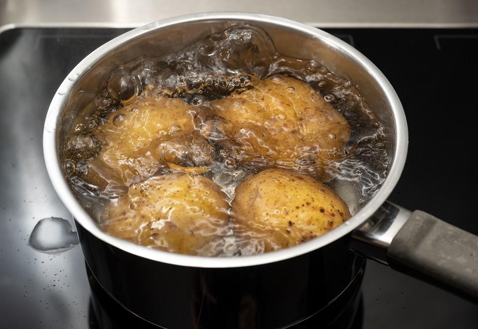 Как правильно дышать над картошкой при кашле и насморке, чтобы не навредить себе
