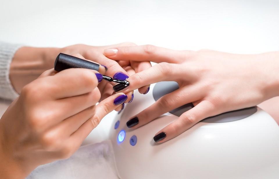 Вред гель-лака для ногтей: научные исследования и 8 способов сделать процедуру безопасной |