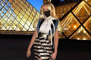 Яна Рудковская осталась на карантине после Недели моды в Париже