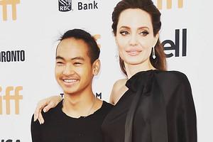 Анджелина Джоли сообщила, что еестарший сын занимается «корейскими ирусскими исследованиями»