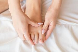 Как правильно подстригать ногти на ногах, чтобы не испортить их структуру