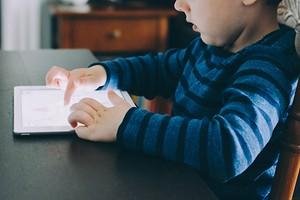 Почему хрустят суставы у ребенка: 4 основные причины и план лечения