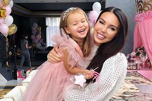 Оксана Самойлова устроила шикарный день рождения для младшей дочери (видео)