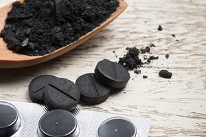 От токсинов и лишнего веса: как правильно принимать активированный уголь для похудения