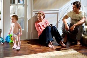 Как правильно надевать подгузник новорожденному: инструкция для начинающих мам (и пап)