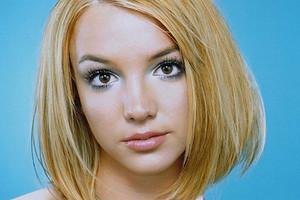 «Oops... IDid ItAgain»: в честь 20-летия культового альбома Бритни Спирс вспомнили ее лучшие годы (ностальгическое видео)
