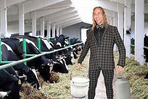 «Попробовать силы с настоящими элитными телками»: подмосковный фермер пригласил Сергея Глушко на работу (Королеву тоже)