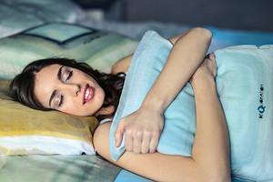 Спросили у сомнолога: почему часто просыпаешься ночью (и что с этим делать)