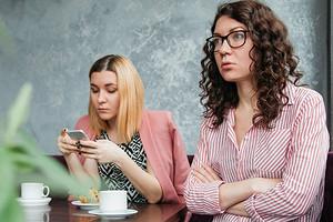 Ныть или не ныть: как постоянные разговоры о проблемах вредят тебе