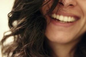 Почему одни люди боятся щекотки, а некоторые нет: как это работает