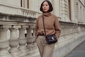 С чем надеть брюки с завышенной талией: 48 модных образов в разных стилях
