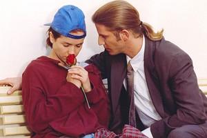 10 культовых сериалов 90-х (и никакой «Санта-Барбары»)