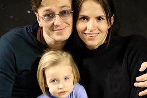 Сергей Безруков поделился милым фото с дочерью Машей (папина копия)