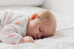 Как должен спать новорожденный ребенок: все секреты спокойного детского сна