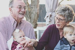 Мы на вас рассчитываем: что должны родители и взрослые дети друг другу (и должны ли?)