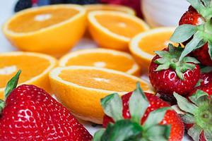 6 правильных сочетаний фруктов и ягод: похудеть, устроить детокс, сделать кожу чистой, выздороветь