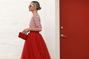 На свидание, в офис и на вечеринку: с чем носить красную сумку (59 примеров на фото)
