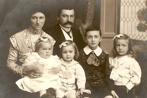 Русский винный дом «Абрау-Дюрсо» отмечает день рождения Виктора Дравиньи
