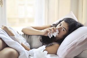 Это не заразно: 7 болезней, которые не подхватить от другого человека