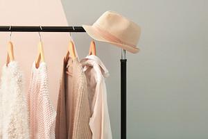 6 вещей женского гардероба, на которые можно не тратить много денег (так делают даже звезды)