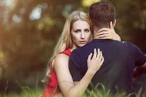 8 мужских фраз, по которым ты поймешь, что он тебя не любит