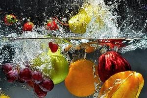 Какие продукты всегда нужно мыть перед едой (а ты этого точно не делаешь)