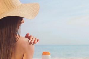 Как правильно загорать на солнце: лайфхаки, ошибки и мифы