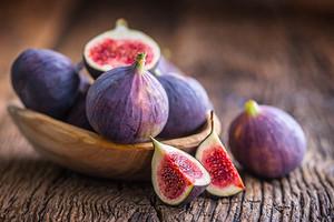 Для красоты и стройности: полезные свойства свежего и сушеного инжира (рассказывает нутрициолог)