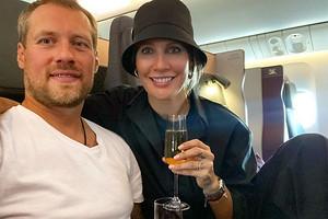41-летняя Елена Летучая улетела вместе с мужем в Танзанию (видео)