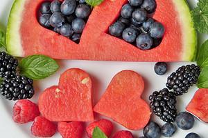 На любовь, желание и судьбу: гадание на фруктах и ягодах