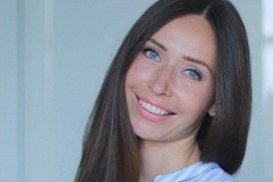«Нельзя быть погруженным в себя ни на сайте знакомств, ни в реальной жизни»: Виктория Юшкевич об отношениях и ошибках при знакомстве в Сети