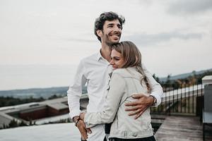 «Еще через полгода я бы сошла с ума»: история читательницы, которая вышла замуж за иностранца-абьюзера через сайт знакомств