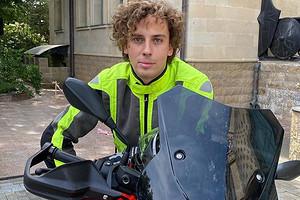 Максим Галкин похвастался новым спортивным мотоциклом (видео)