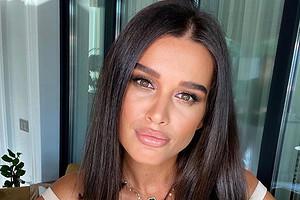 Ксения Бородина ответила на критику нескромного образа на линейке дочери
