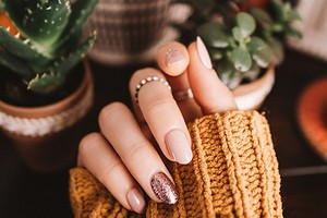 Мифы о ногтях: должны ли дышать, как правильно пилить, вредит ли шеллак
