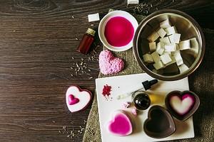 9 оригинальных способов, как сделать мыло в домашних условиях из обмылков