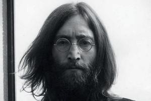 Убийца Джона Леннона впервые попросил прощения у вдовы певца