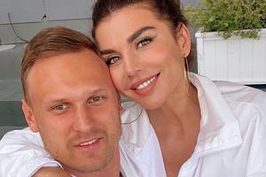 Анна Седокова показала откровенную свадебную фотосессию с Янисом Тиммой