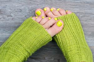 Уход за ногами для ленивых: все о педикюрных носочках